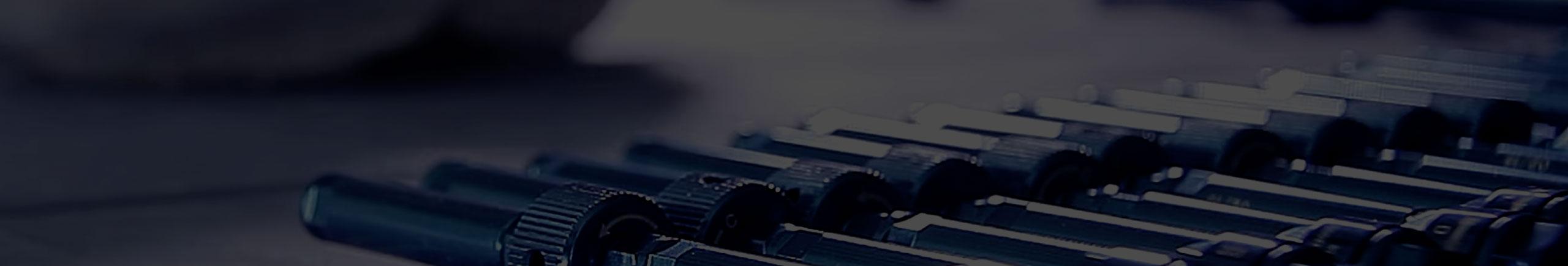 Viti a compressione - Fissatori radiotrasparenti - fissatore ibrido nuovo concetto